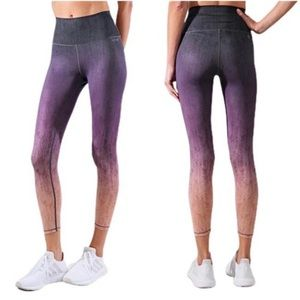 AR-33 Alpha 7/8 High Waisted Legging